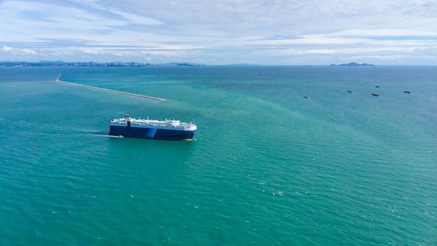Zakelijke logistiek internationale verzending op zee