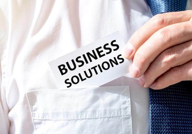 Zakelijke oplossingen tekst. concept van het raadplegen en oplossen van problemen.