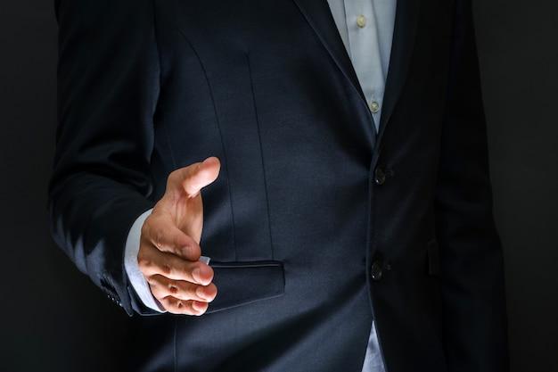 Zakelijke partnerschap bijeenkomst concept. zakenman handdruk.