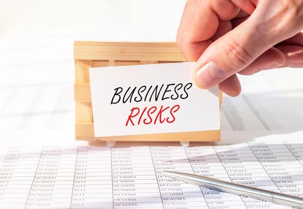 Zakelijke risico's inscriptie woorden