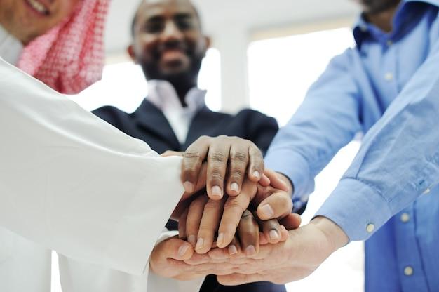 Zakelijke team overlappende handen