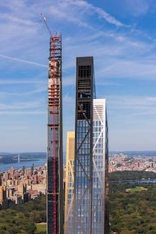 Zakelijke torens in de stad van new york