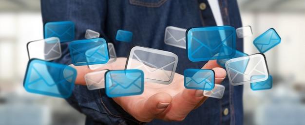 Zakenman die digitale e-mailpictogrammen houdt