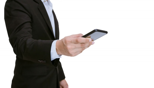 Zakenman die een smartphone op wit houdt