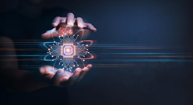 Zakenman die gegevens persoonlijke informatie beschermt cyber security data concept hangslot en internettechnologie
