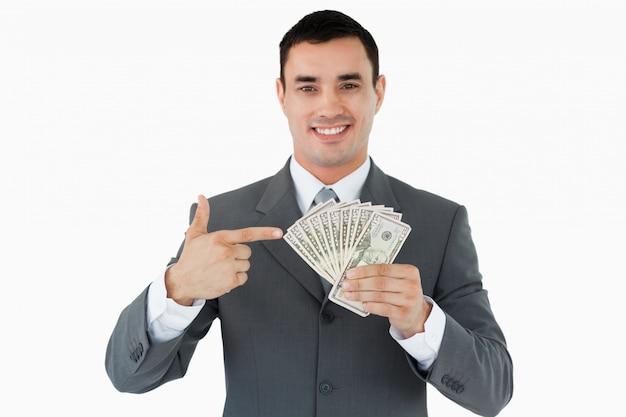 Zakenman die op bankbiljetten richt