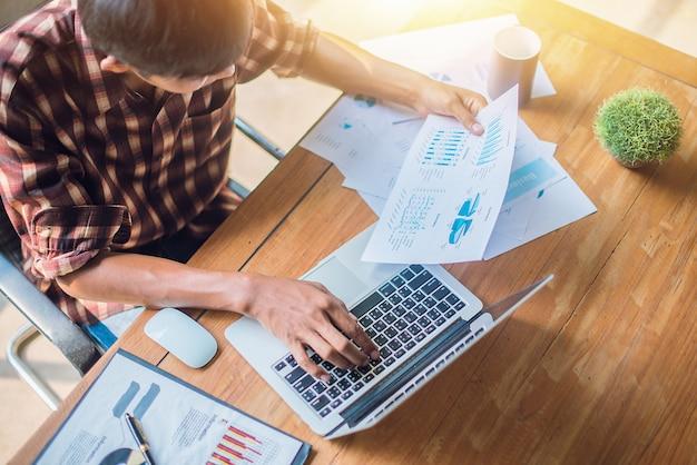 Zakenman, financiële audit. audit concept