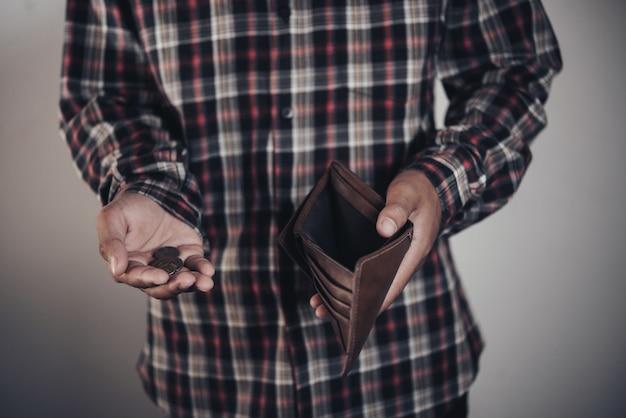 Zakenman geld te besparen