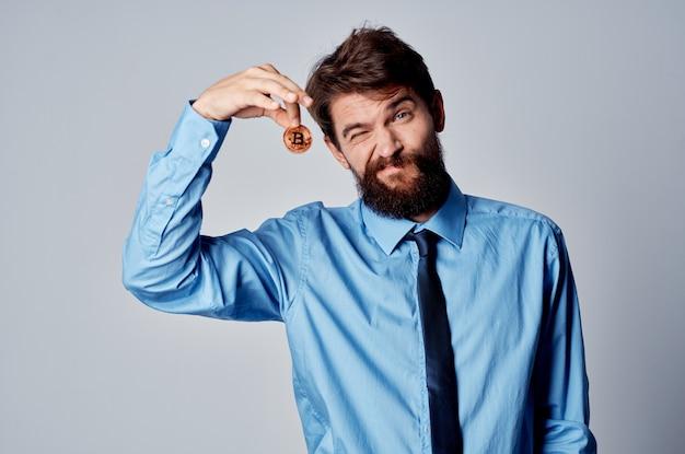 Zakenman in overhemd met stropdas finance manager office investment