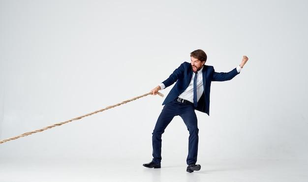 Zakenman in pak werk kantoor touw carrière. hoge kwaliteit foto