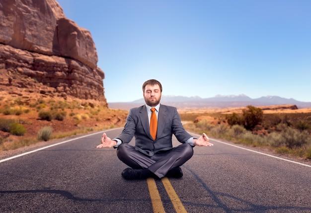Zakenman mediteren