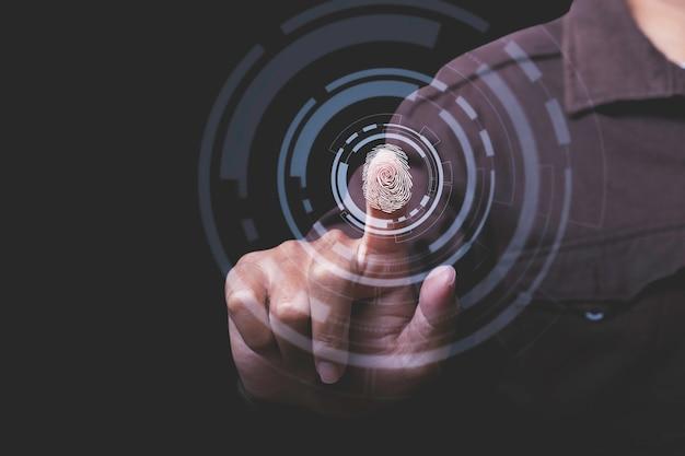 Zakenman scan vingerafdruk biometrische identiteit en goedkeuring. zakelijke technologie veiligheidsconcept.