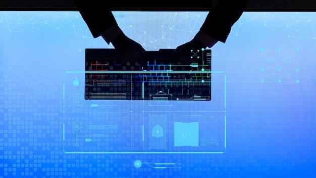 Zakenman typen op een draadloos toetsenbord