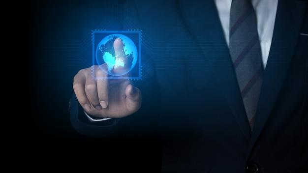 Zakenman wijzende plek op de wereldwijde netwerkverbinding en communicatienetwerk, bedrijfsnetwerkconcept