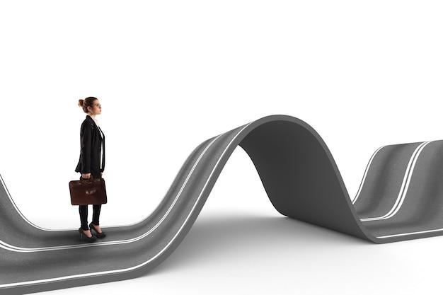 Zakenvrouw loopt op een kronkelende weg. moeilijke weg naar succesconcept. 3d-weergave
