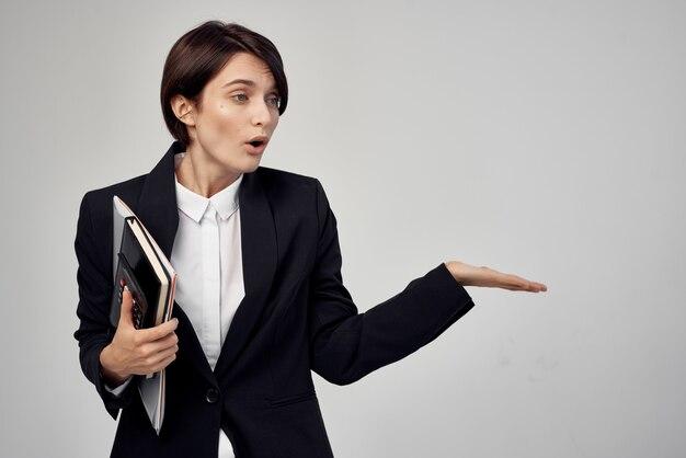 Zakenvrouw secretaresse kantoor executive geïsoleerde background