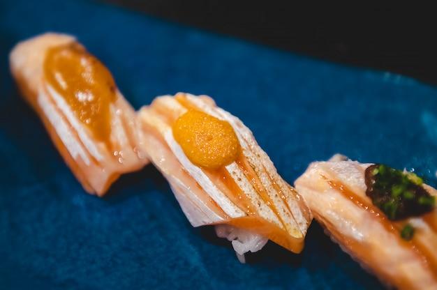 Zalm buik sushi set.