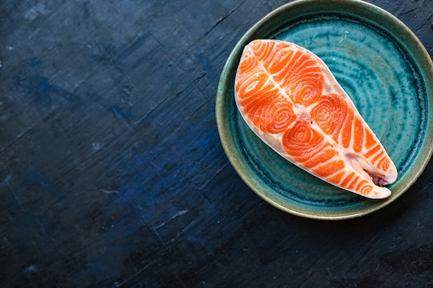 Zalm rauwe rode vis steak filet zeevruchten