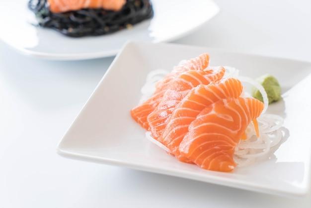 Zalm ruwe sashimi