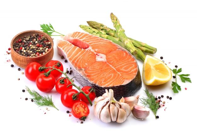 Zalm steak met kruiden en groenten