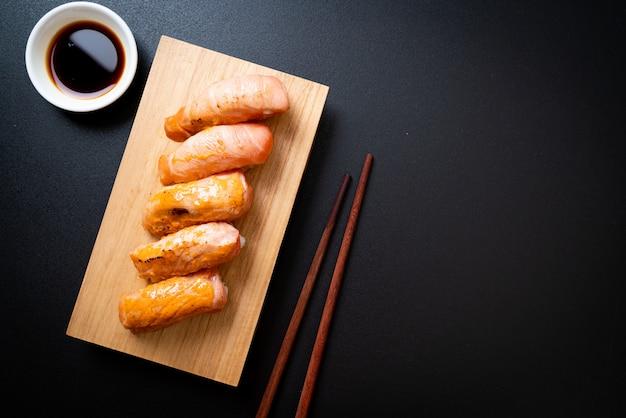 Zalm verbrande sushi