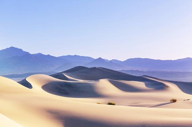 Zandduinen in death valley national park, californië, vs