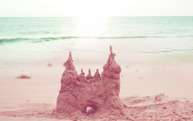 Zandkasteel op het zeestrand