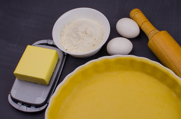 Zandkoekdeeg voor taart en ingrediënten
