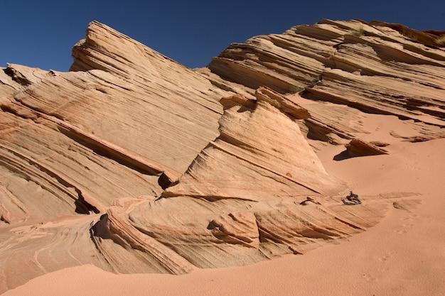 Zandstenen rotsformatie in page, arizona