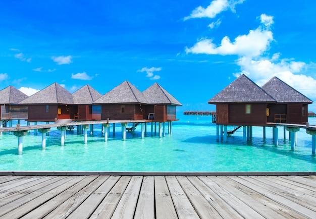 Zee maldiven. tropisch strand op de malediven