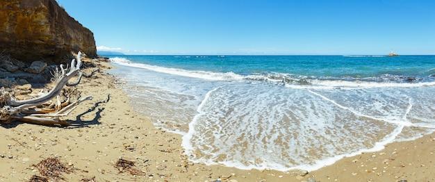 Zee zomer uitzicht vanaf strand (griekenland, lefkada, ionische zee). panorama.