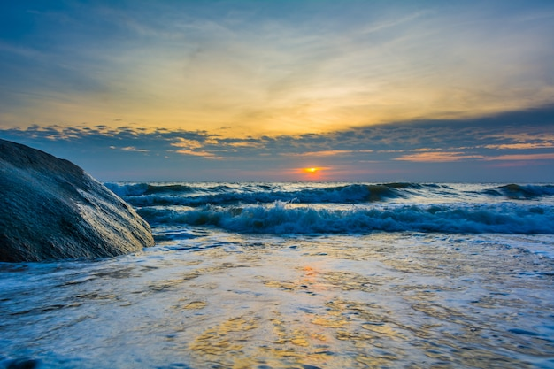 Zeegezichten vroeg in de ochtend zee