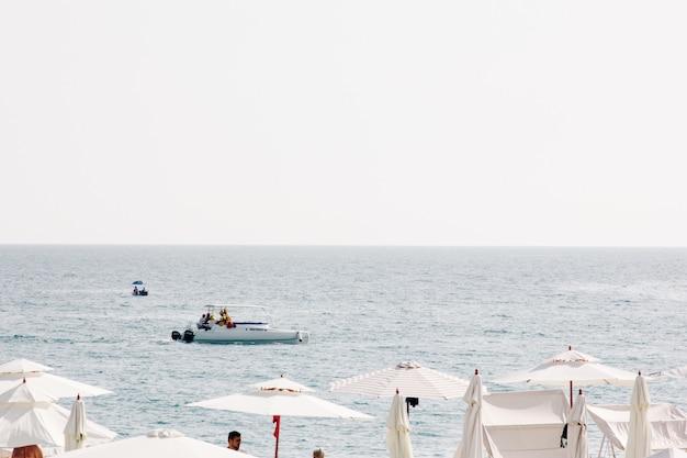 Zeehaven in de zomer