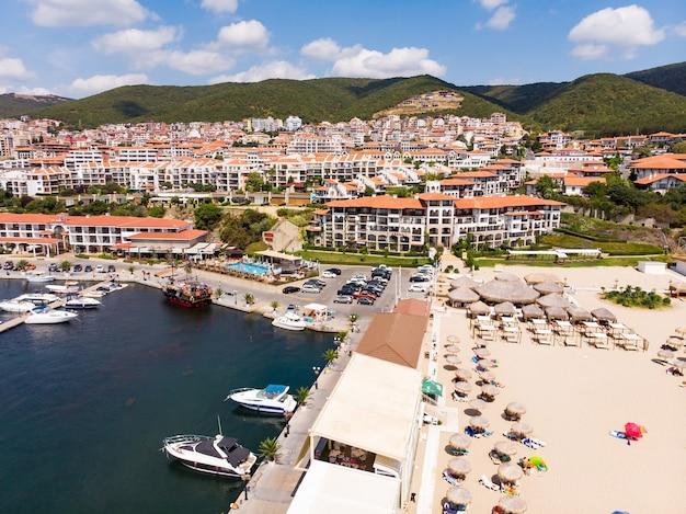 Zeehaven jachthaven van sveti vlas in bulgarije
