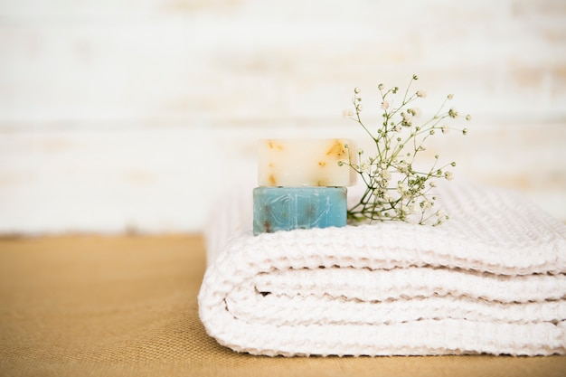 Zeep op handdoek