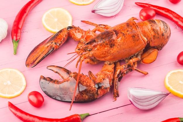 Zeevruchtendiner, zeevruchtendiner met verse kreeft, krab, mossel en oester als achtergrond