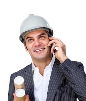 Zekere zakenman die hoofdtelefoon met behulp van
