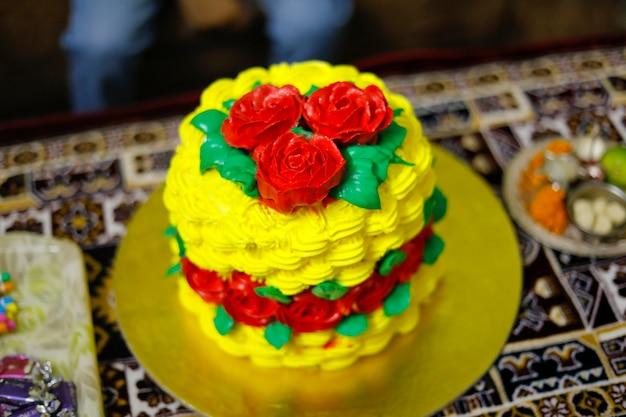 Zelfgemaakt versieren prachtige bloemen taarten