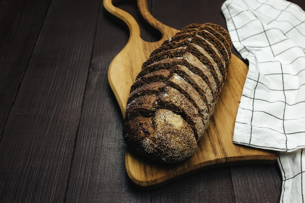 Zelfgemaakt zuurdesembrood eten fotografie recept idee. hoge kwaliteit foto