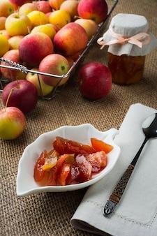 Zelfgemaakte appel plakjes confiture