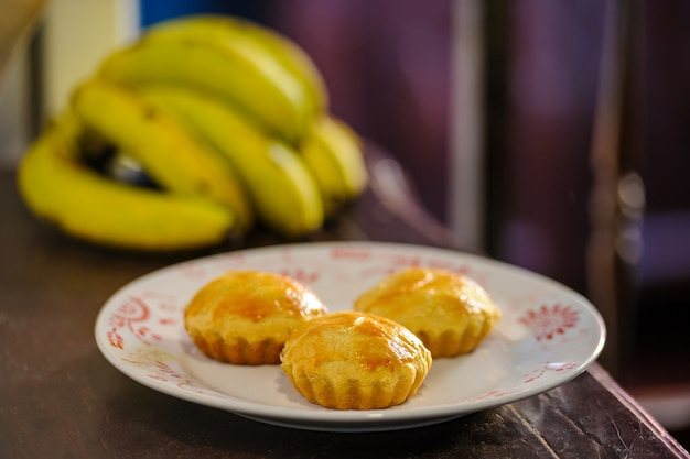 Zelfgemaakte bananentaartjes. typische delicatesse uit het noordoosten van brazilië.
