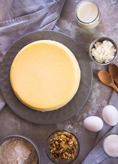 Zelfgemaakte cheesecake. roomkaastaart in new york-stijl