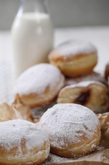 Zelfgemaakte heerlijke donuts als toetje