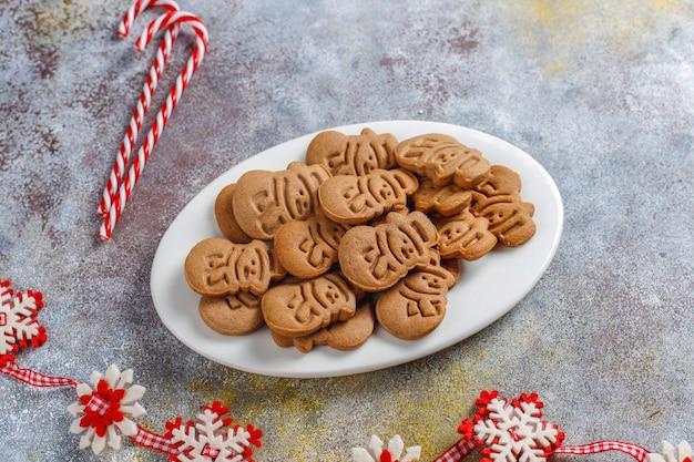 Zelfgemaakte heerlijke peperkoekkoekjes.