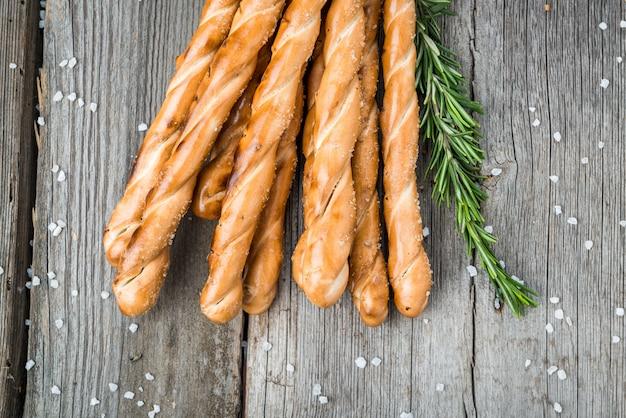 Zelfgemaakte kaasbroodjes
