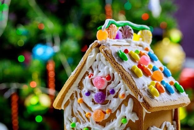 Zelfgemaakte kerst peperkoek huis