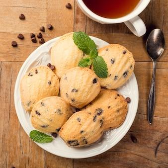 Zelfgemaakte koekjes madeleine