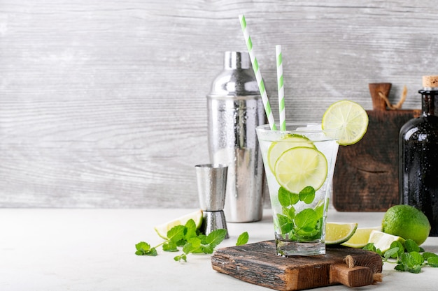 Zelfgemaakte mojito-cocktail