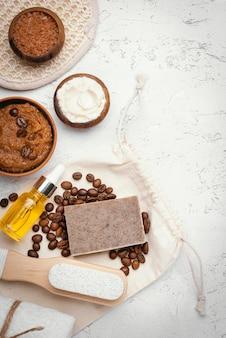 Zelfgemaakte remedie met koffiebonen boven weergave