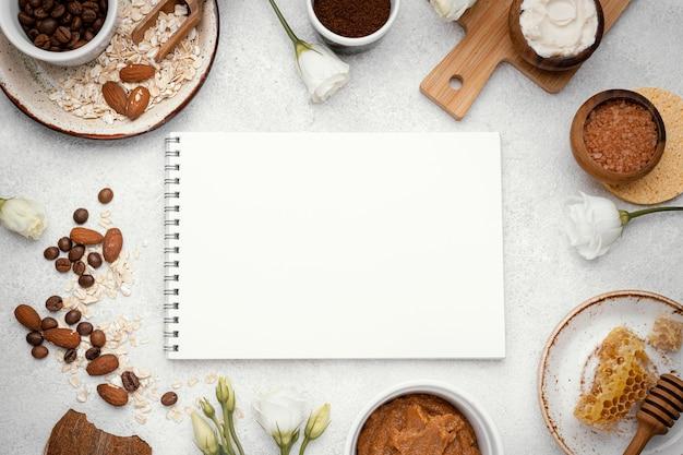 Zelfgemaakte remedie met notitieboekje